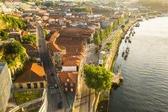 杜罗河河顶视图在波尔图的中心 库存图片