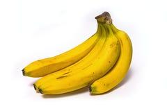 束在白色背景的成熟香蕉 免版税图库摄影