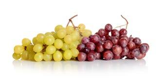 束白色和红葡萄 库存图片