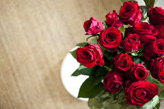 束起红色玫瑰 免版税图库摄影