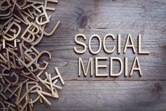 束起通信有概念的交谈媒体人社交 免版税库存照片