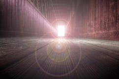 结束轻的隧道 免版税库存照片