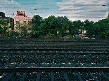 5条火车轨道车道在印度 免版税库存图片