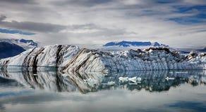 条纹的冰山 库存照片