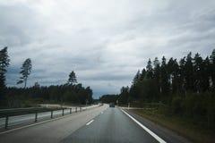 3条车道高速公路 免版税图库摄影
