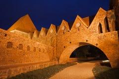 条顿人骑士城堡在晚上在托伦 图库摄影
