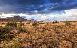 来到南部非洲的干旱台地高原的雨 库存图片
