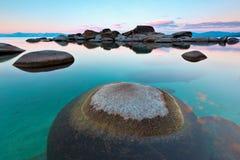 来回岩石,沙子港口, Tahoe湖 库存照片