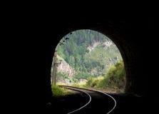 来回贝加尔湖的铁路 库存照片