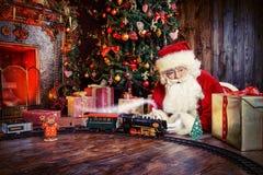 来圣诞老人 免版税图库摄影