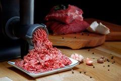 来自研磨机的肉末 库存照片