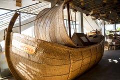 杨柳在Camacha村庄的被编织的小船在山的在丰沙尔上是编织的杨柳的中心 图库摄影