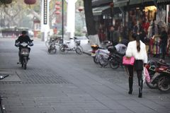 杭州,中国丝绸之路的中国妇女  图库摄影