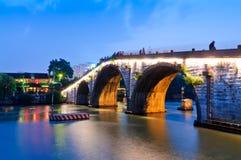 杭州gongchen桥梁在黄昏 图库摄影