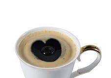 杯与心脏的coffe 免版税库存图片