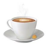 杯与蒸汽、糖果和茶碟的热的热奶咖啡 库存图片