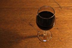 杯与阴影的酒 库存图片