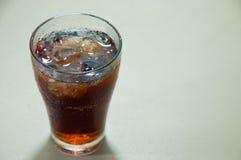 杯可乐从 免版税库存照片