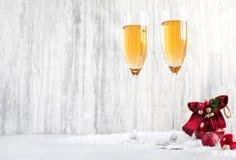 杯在新年` s前夕的香槟 库存图片