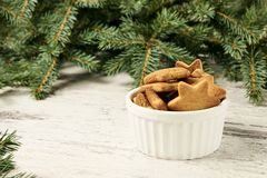 杯姜饼干 Newyear 圣诞节我的投资组合结构树向量版本 库存照片