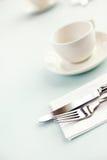 杯子刀叉餐具 库存图片