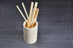 杯子由竹子制成 免版税库存图片