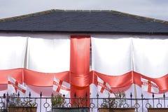 杯子英国房子世界 免版税图库摄影