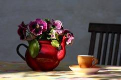 杯子茶壶 免版税库存照片