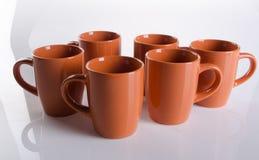 杯子 在背景的陶瓷杯子 杯子 在backgrou的陶瓷杯子 库存图片