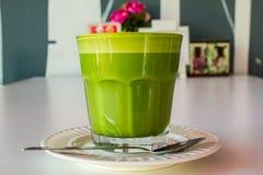 杯子绿茶 免版税图库摄影