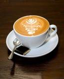 杯子latte 免版税图库摄影