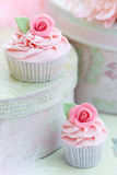杯形蛋糕上升了 图库摄影