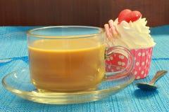 杯形蛋糕和咖啡 库存照片