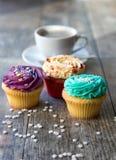 杯形蛋糕和咖啡 库存图片
