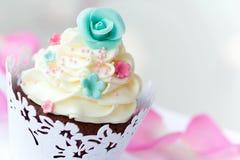 杯形蛋糕婚礼 免版税库存照片