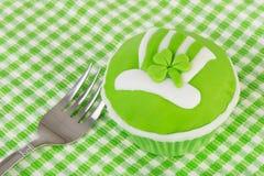 杯形蛋糕日patricks st 免版税库存图片