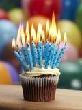 杯形蛋糕溢出 免版税库存图片