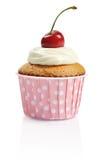 杯形蛋糕用新鲜的樱桃 免版税图库摄影