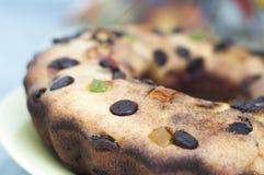 杯形蛋糕用葡萄干和巧克力 库存照片
