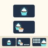 杯形蛋糕蓝色颜色概念名片、贴现和promotio 库存照片