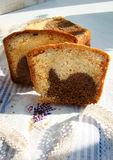 杯形蛋糕以惊奇 免版税库存图片