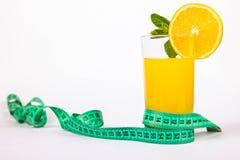 杯汁液和米 库存图片