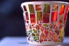 杯由五颜六色的玻璃制成在桌 库存照片