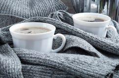 2杯白色咖啡特写镜头 免版税库存照片