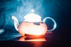 杯秋天茶用香料 库存图片