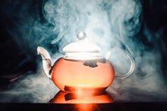 杯秋天茶用香料 免版税库存图片