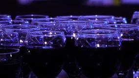 杯红葡萄酒在餐馆 股票录像
