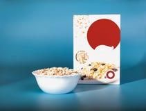 杯谷物 在箱子的健康早餐 免版税库存图片