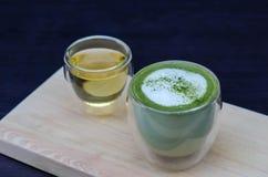 杯绿茶拿铁 免版税图库摄影