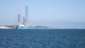 杰克石油钻井船具在维护的造船厂在邓迪 影视素材